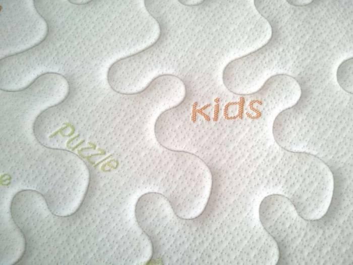 Saltea din spumă poliuretanică Baby Puzzle