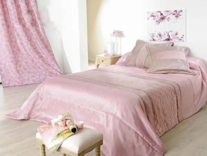 Set cuvertură de pat cu perne Milano