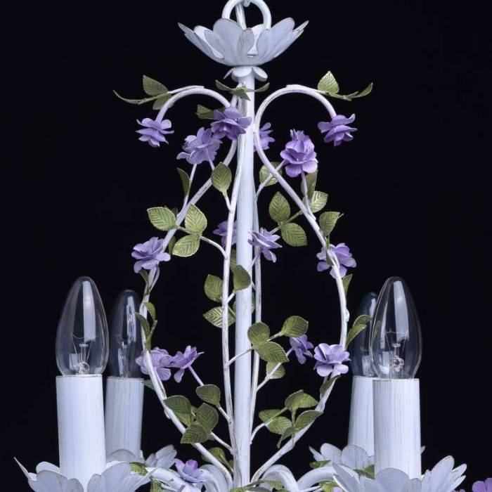 Candelabru alb cu decor floral Cedronella