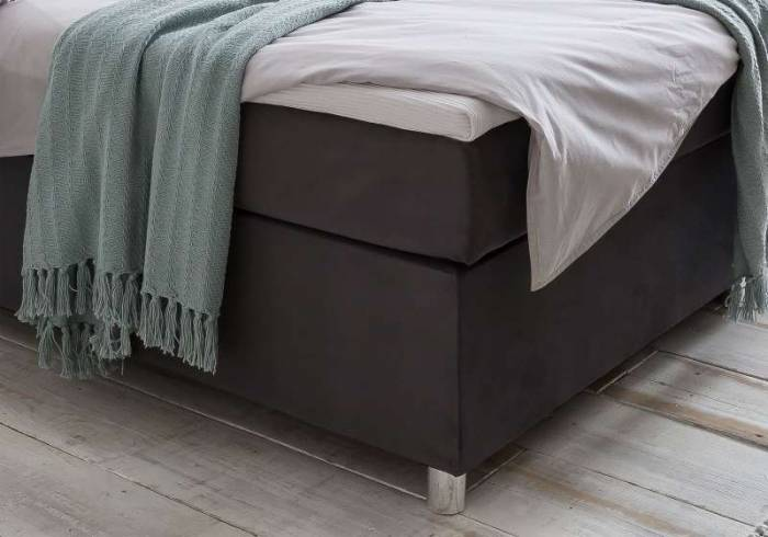 Pat tapițat box spring cu LED Avenue, 180 x 200 cm, catifea, negru