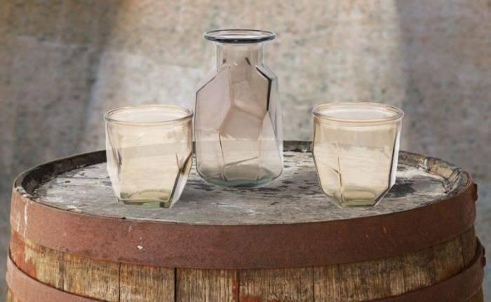 Vază decorativă Ava, 9x9x9 cm, sticla, fumuriu
