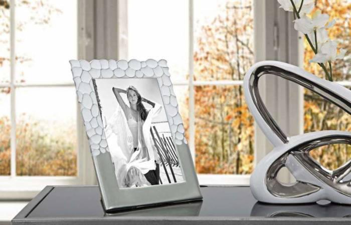 Ramă foto Glam, 26,5x21x1,5 cm, polirasina/ sticla, argintiu/ alb