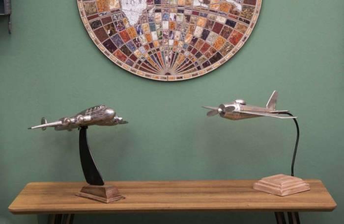 Decorațiune Aviator, 36.5x48.5x38.5 cm, metal, argintiu/ maro
